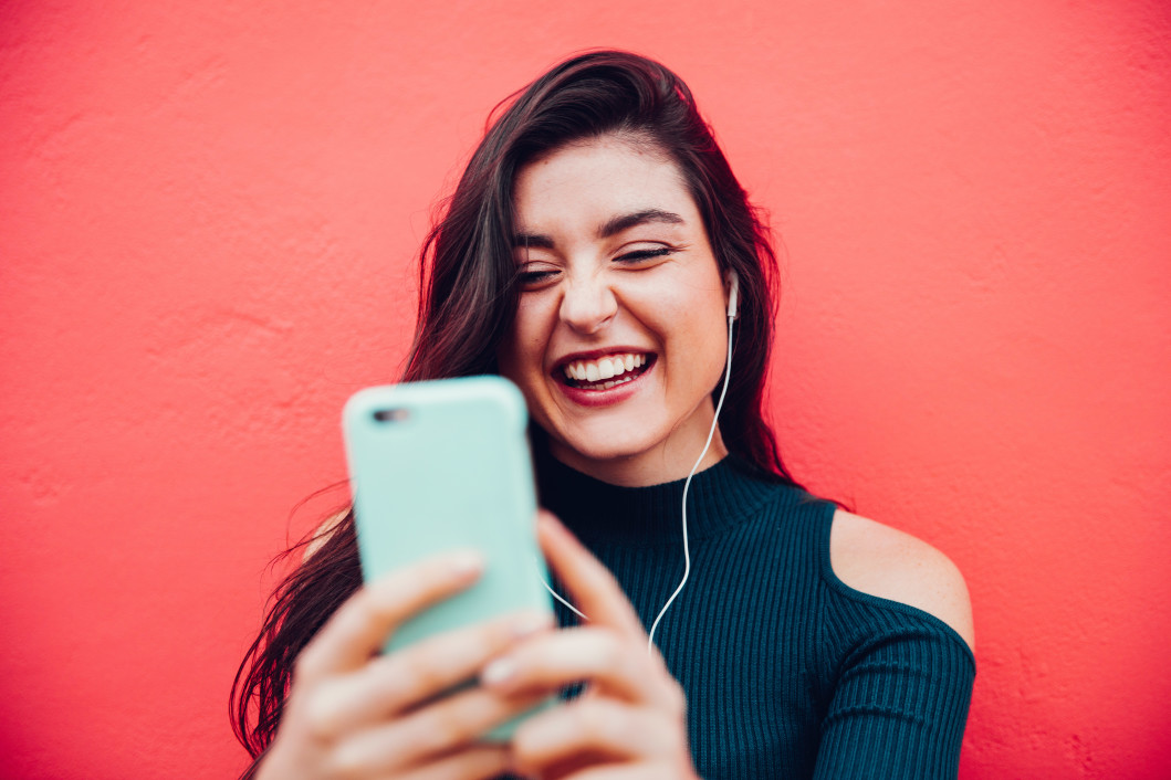 Comment séduire une fille par SMS?